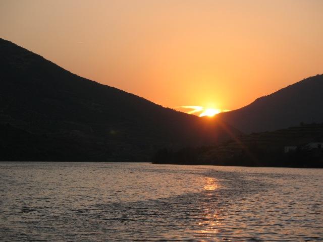 Закат на реке Дору