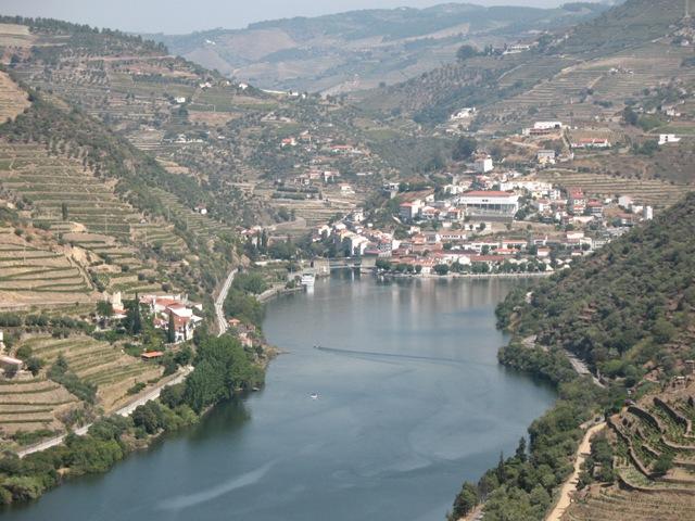 Вид на местечко Пиньяу на реке Дору