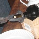 Открытие портвейна раскаленными щипцами