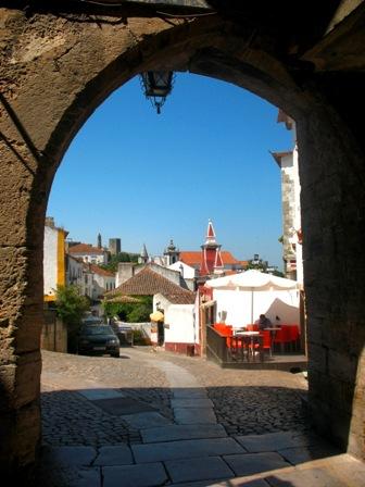 Вход в Обидуш через крепостные ворота