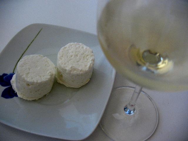 Сочетаемость свежего сыра с вином