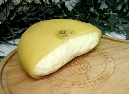 Сыр Серра да Эштрела - одна из семи португальских гастрономических достопримечательностей