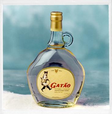 Форма бутылки белого зеленого вина Gatão в прошлом веке