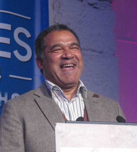 Ошвалду Амаду получая премию энолога года