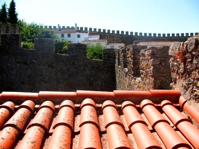 Зубцы крепостной стены в Обидуше