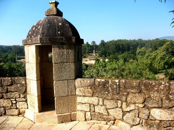 Монсау, крепостная стена