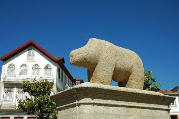 Каменная статуя свиньи из Мурсы